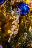 Árbol de navidad con las decoraciones Fotos de archivo libres de regalías