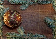 Árbol de navidad con las decoraciones de la Navidad Foto de archivo libre de regalías