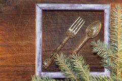 Árbol de navidad con las decoraciones de la Navidad Fotos de archivo libres de regalías