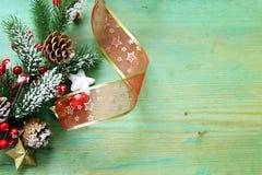 Árbol de navidad con las decoraciones de la Navidad Fotografía de archivo libre de regalías