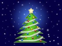 Árbol de navidad con las escamas de la nieve Imágenes de archivo libres de regalías