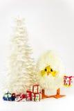 Árbol de navidad de la pluma con el huevo del pollo Fotografía de archivo