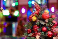 Árbol de navidad de oro Fotos de archivo