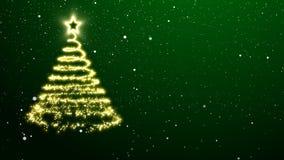 Árbol de navidad de oro en un fondo verde Fotos de archivo
