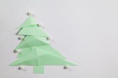 Árbol de navidad de papel Fotos de archivo