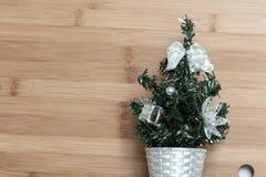 Árbol de navidad decorativo para la decoración imágenes de archivo libres de regalías