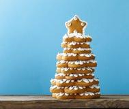 Árbol de navidad del pan de jengibre para la decoración y el postre Fotografía de archivo libre de regalías
