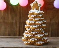 Árbol de navidad del pan de jengibre para la decoración y el postre Imagenes de archivo