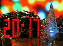 Árbol de navidad del vidrio verde de la Feliz Año Nuevo 2017 Imagen de archivo libre de regalías