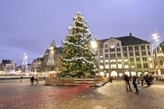 Árbol de navidad en Amsterdam el Neth Fotografía de archivo