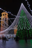 Árbol de navidad en cuadrado de la catedral de Vilna Foto de archivo libre de regalías