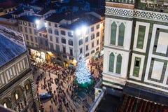 Árbol de navidad en cuadrado del Duomo en Florencia Imágenes de archivo libres de regalías