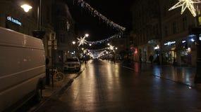 Árbol de navidad en la calle, miércoles 13 de diciembre de 2017 Piotrkows Foto de archivo libre de regalías