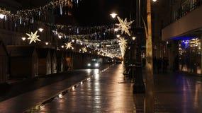 Árbol de navidad en la calle, miércoles 13 de diciembre de 2017 Piotrkows Fotos de archivo libres de regalías