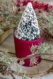 Árbol de navidad en pote Fotografía de archivo