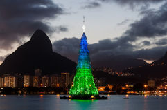 Árbol de navidad en Rio de Janeiro Fotos de archivo