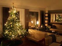 Árbol de navidad en sala de estar moderna Foto de archivo