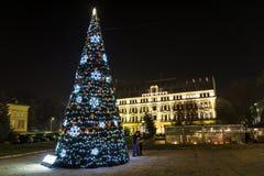 Árbol de navidad en Sofía, Bulgaria imagenes de archivo