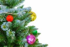 Árbol de navidad encendido aislado en el fondo blanco La Navidad Año Nuevo Foto de archivo libre de regalías