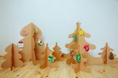 Árbol de navidad hecho de la cartulina Año Nuevo Fotos de archivo
