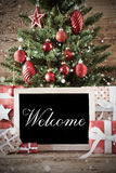 Árbol de navidad nostálgico con la recepción imagenes de archivo