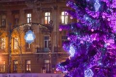 Árbol de navidad púrpura en Zagreb Foto de archivo