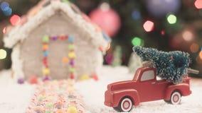 Árbol de navidad para la casa de pan de jengibre Imágenes de archivo libres de regalías