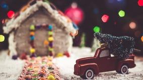 Árbol de navidad para la casa de pan de jengibre Imagen de archivo