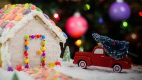 Árbol de navidad para la casa de pan de jengibre Imagen de archivo libre de regalías
