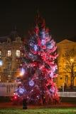 Árbol de navidad rojo en Zagreb Imágenes de archivo libres de regalías