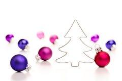 Árbol de navidad y chucherías Fotografía de archivo libre de regalías