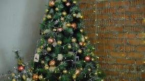Árbol de navidad y decoraciones metrajes