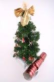 Árbol de navidad y decoraciones Fotografía de archivo libre de regalías