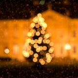 Árbol de navidad y nieve Imagen de archivo