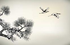 Árbol y grúa de pino del estilo de la tinta Imagen de archivo libre de regalías