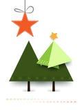 Árbol de pino mínimo de la Navidad del papel del diseño de la tarjeta de felicitación de la Navidad en el fondo blanco Imagen de archivo