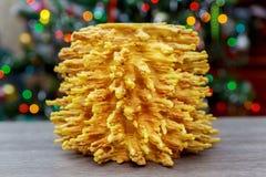árbol del Año Nuevo de los sakotis y fondo de la Feliz Navidad Fotografía de archivo libre de regalías
