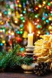 árbol del Año Nuevo de los sakotis y vela de la Feliz Navidad Fotos de archivo libres de regalías