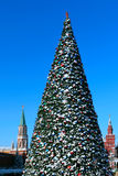 Árbol del Año Nuevo en cuadrado rojo. Moscú Imagenes de archivo