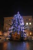 Árbol del Año Nuevo en la calle Imagenes de archivo