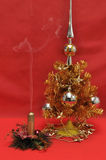 Árbol del Año Nuevo en rojo Foto de archivo