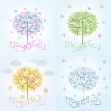 Árbol en cuatro estaciones - primavera, verano, otoño, invierno Imagen de archivo