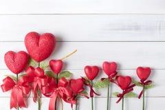 Árbol en la forma del corazón hecho de borad de la espuma Imágenes de archivo libres de regalías