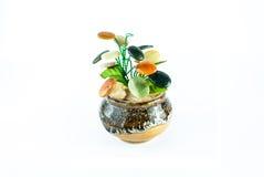 Árbol hecho a mano de la joyería aislado en un fondo blanco Foto de archivo libre de regalías