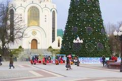 Árbol principal del Año Nuevo de la ciudad en el cuadrado de la victoria Imagen de archivo