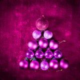 Árbol rosado de la chuchería de la Navidad de las bolas de la bola con brillo adicional Imagen de archivo