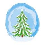 Árbol verde de la Navidad con nieve y conos Imagen de archivo