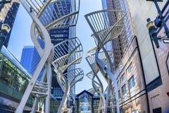 Árboles de acero Stephen Avenue Walking Street Calgary Alber del Galleria fotos de archivo libres de regalías
