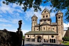 Árboles de la abadía de Maria Laach Imagenes de archivo