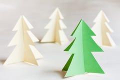 Árboles de navidad de la cartulina Imágenes de archivo libres de regalías